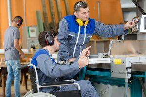Formation d'un travailleur handicapé en ESAT.